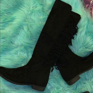 Black fringe boots!🖤✨